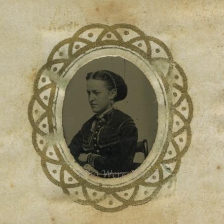 Side portrait of a lovely lady